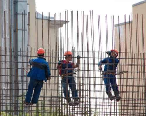 עבודה לא בטיחותית באתר עבודה